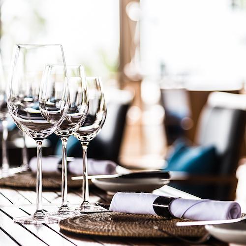 Restaurant table setting